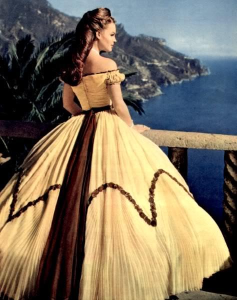 Favoloso Crinoline e corsetti: moda vittoriana fai da te! EW51